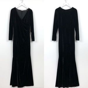 Eloquii Black Stretch Velvet Mermaid V Neck Gown